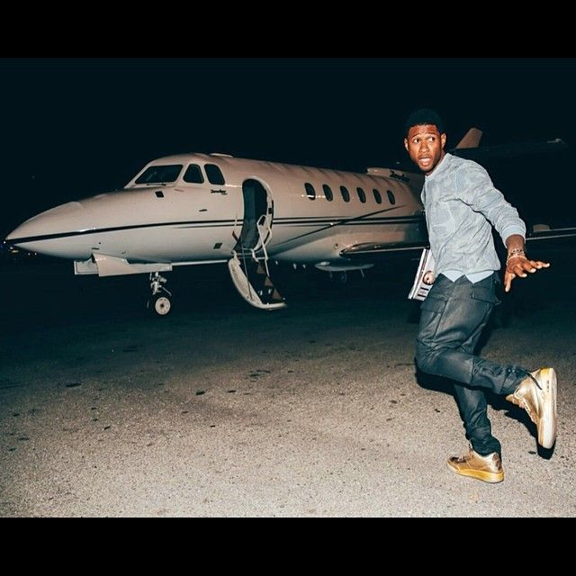 88f0e51ae5e048 ... Usher in his 1-of-1 Air Jordan 3  jordan ...