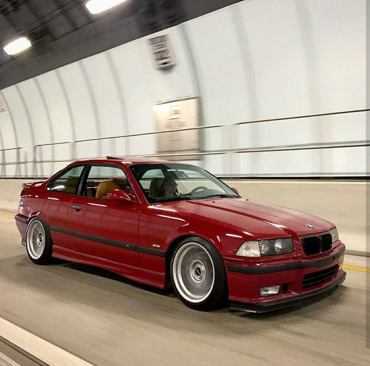 hight resolution of bmw e36 m3 red