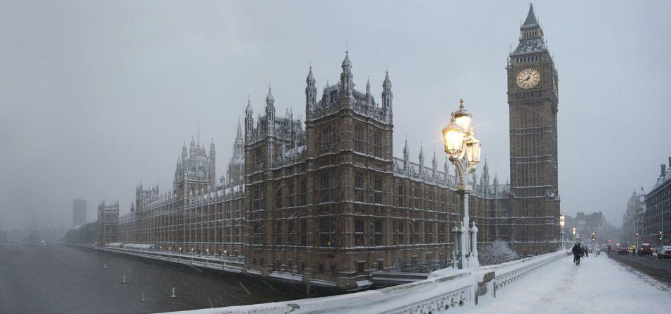 Pin de Viagem Europa Intercâmbio em Let´s go to London