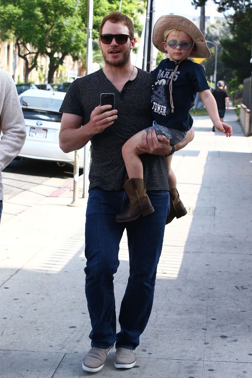f786723992f2 Spotted! Actor and super-dad Chris Pratt rocking our Overture ...