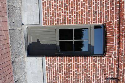 Gris quartz f739 avec croisillons coll s facade for Croisillons fenetre