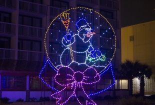 Mcdonald S Holiday Lights At The Beach Beach Street Usa