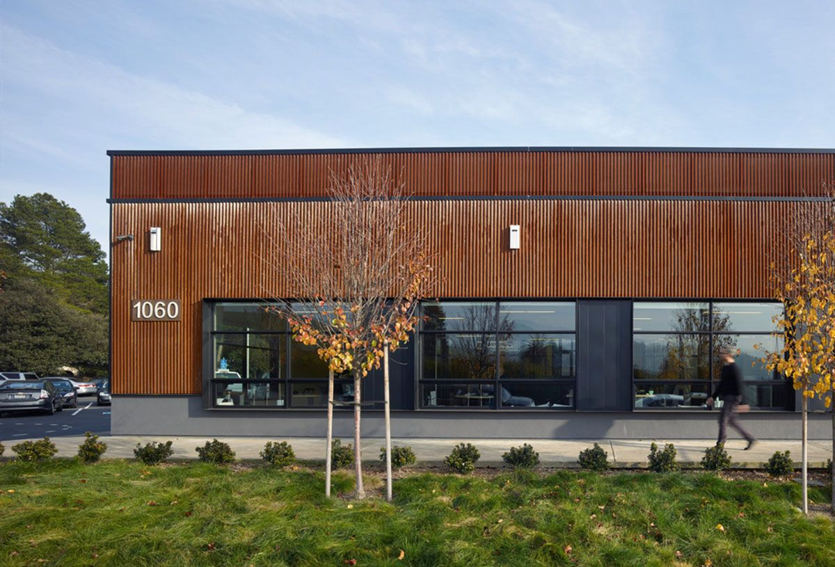 Studio Vara Converts A Boring Old Box Building Into A Refreshing Green Office Space In San Francisco Open Space Office Commercial Steel Buildings Commercial Architecture