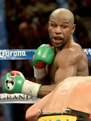 Mayweather 49 0 After Dominating Berto Floyd Mayweather Floyd Mayweather Boxing Floyd Mayweather Training