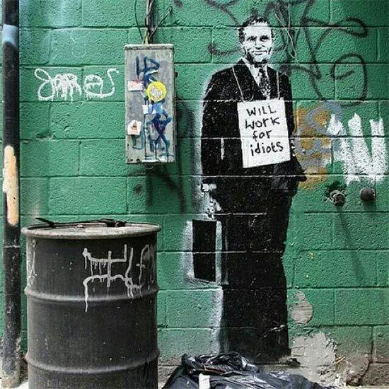 Banksy Nin 189 Duvar Resmi Grafitisi Ve Sokak Sanati Sokak Sanati Graffiti Banksy Sehir Sanati