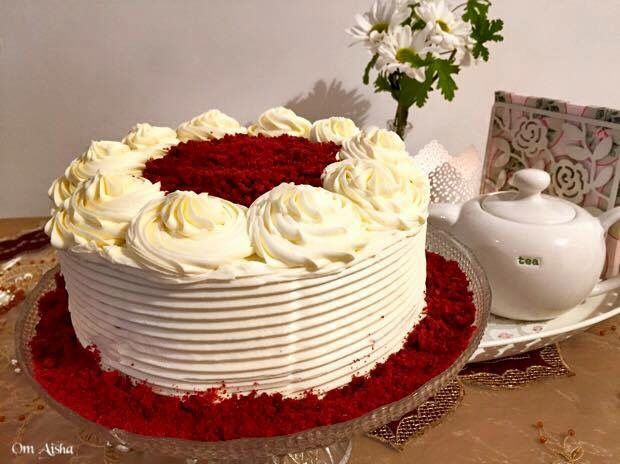 كيكة الحمراء المخملية او كما مشهورة كيكة ريد فلفت Red Velvet Cake مقادير الكيكة 2 كوب ونصف دقيق ربع كوب كاكاو كوب ونص سكر 2 ملعقة صغي