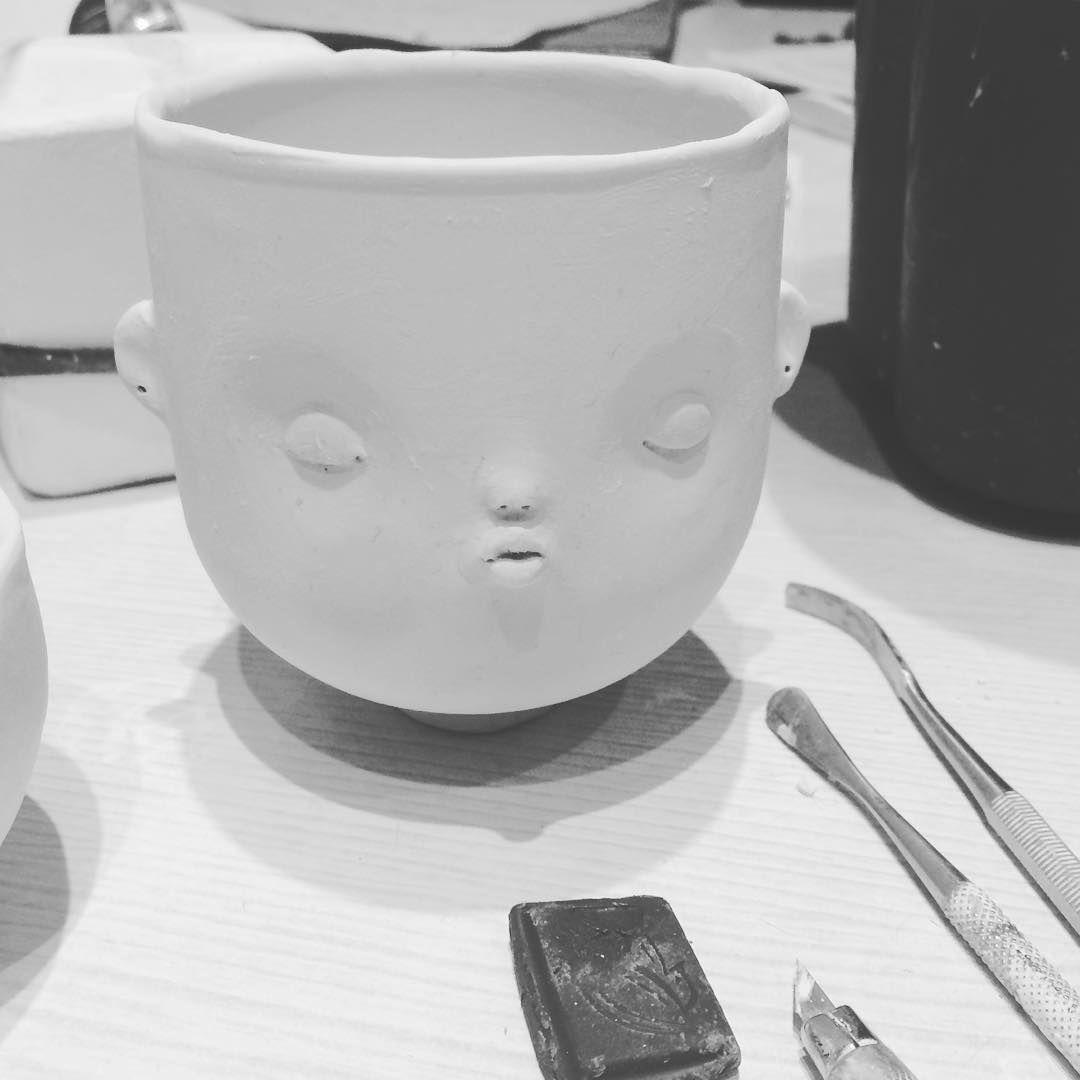 Времени до выставки осталось так мало !!! 😭 Всем кто терпеливо ждёт свою чашечку сообщаю что продажа переносятся на 1 декабря ! Несколько чашек будет продана тут в ИГ ,а часть на выставке ХТ и ИК в Москве ! 😘 #dollechka #cup #ceramics #porcelain #porcelainart #porcelaincup #фарфор #