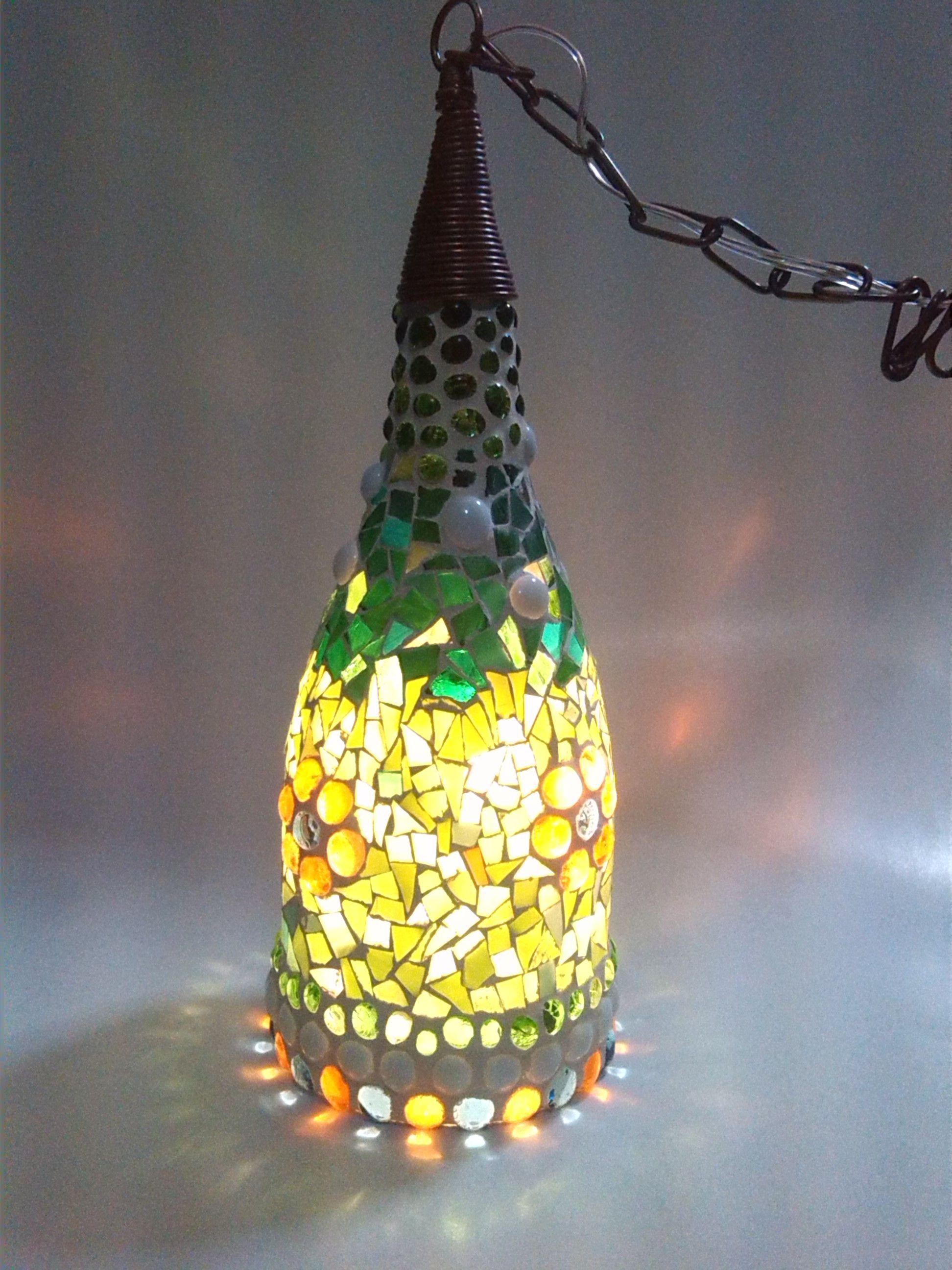 Lamparas hechas sobre botellas lamparas en vitral - Botellas con luces ...