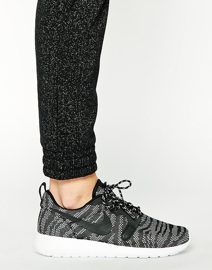 separation shoes 0c5eb fe3e6 Image 4 - Nike - Roshe Run - Basquets motif jacquard