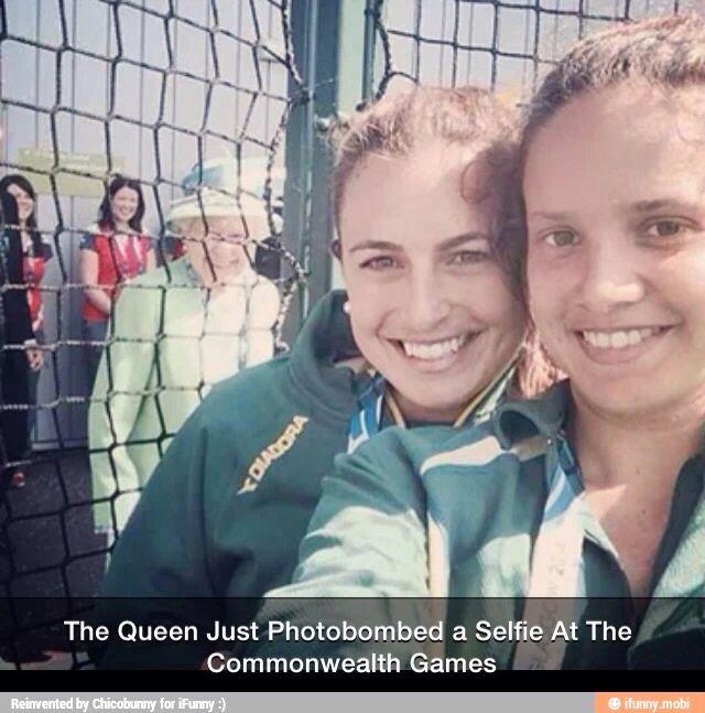 Queen Mum photo bomb