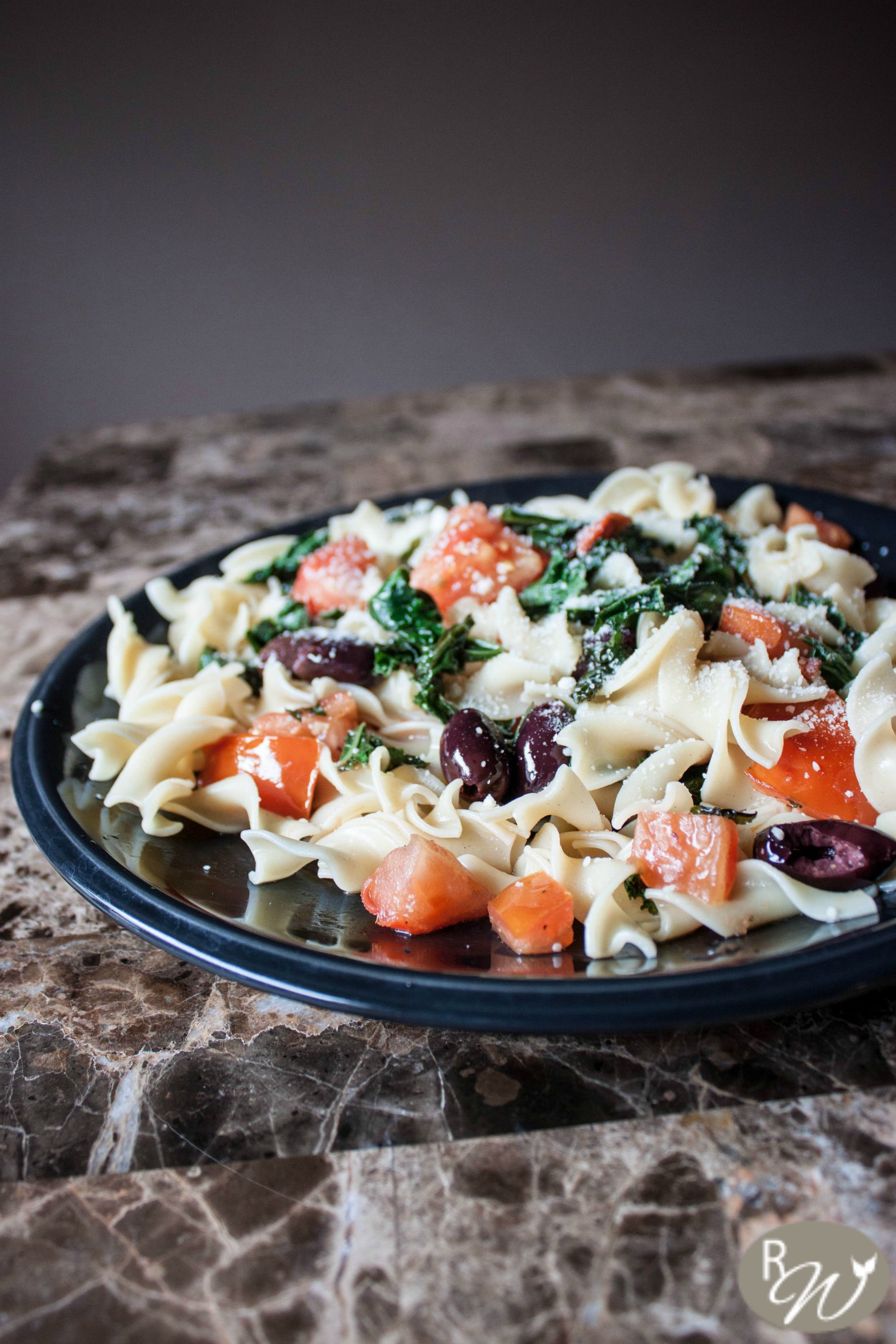 Kale tomato and kalamata olive pasta in a lemon wine sauce food forumfinder Gallery