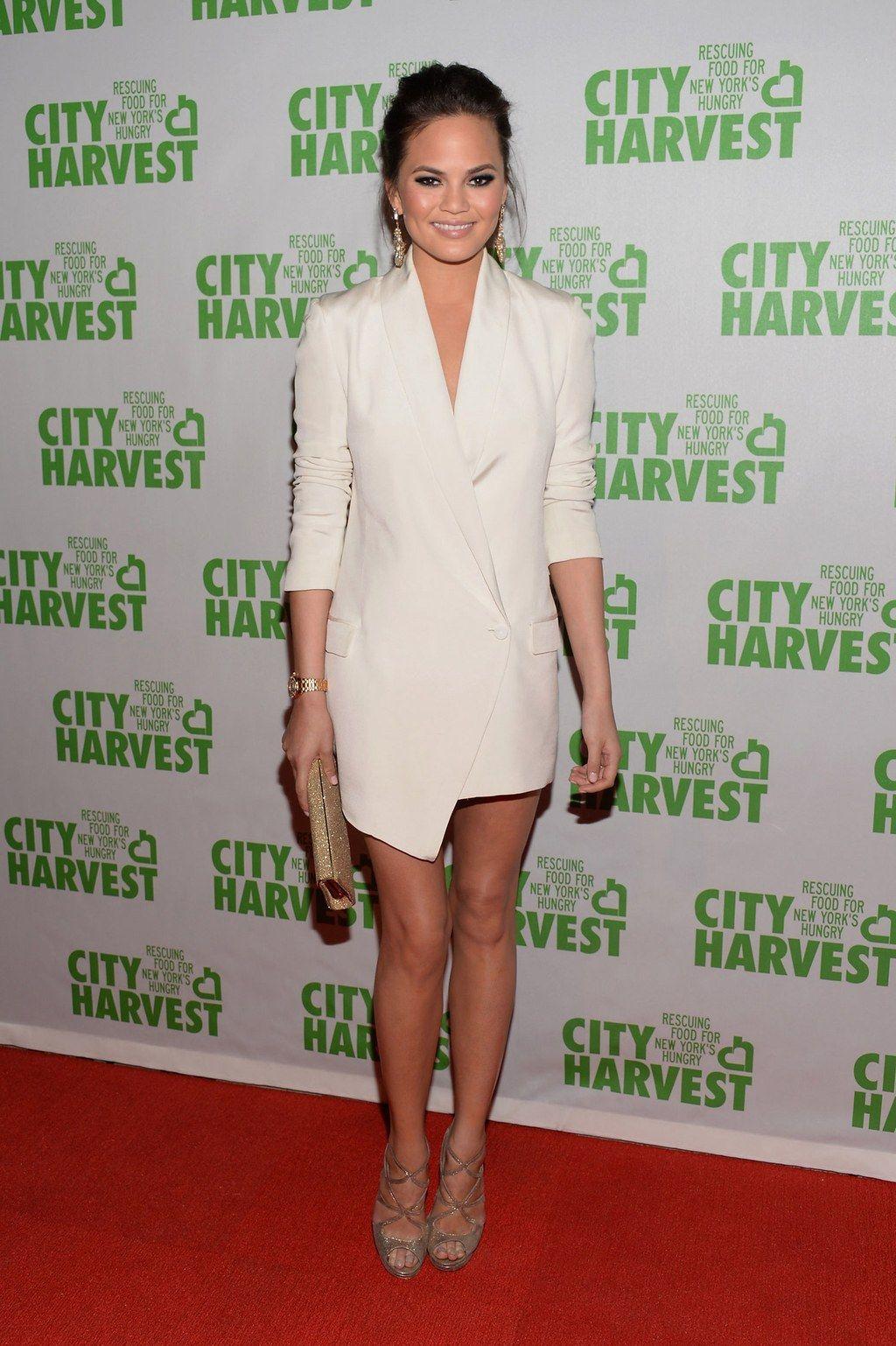 Glamour Style Icon Chrissy Teigen Has Enviable Summer Style Get Inspired Tuxedo Dress Fashion Little White Dresses [ 1538 x 1024 Pixel ]