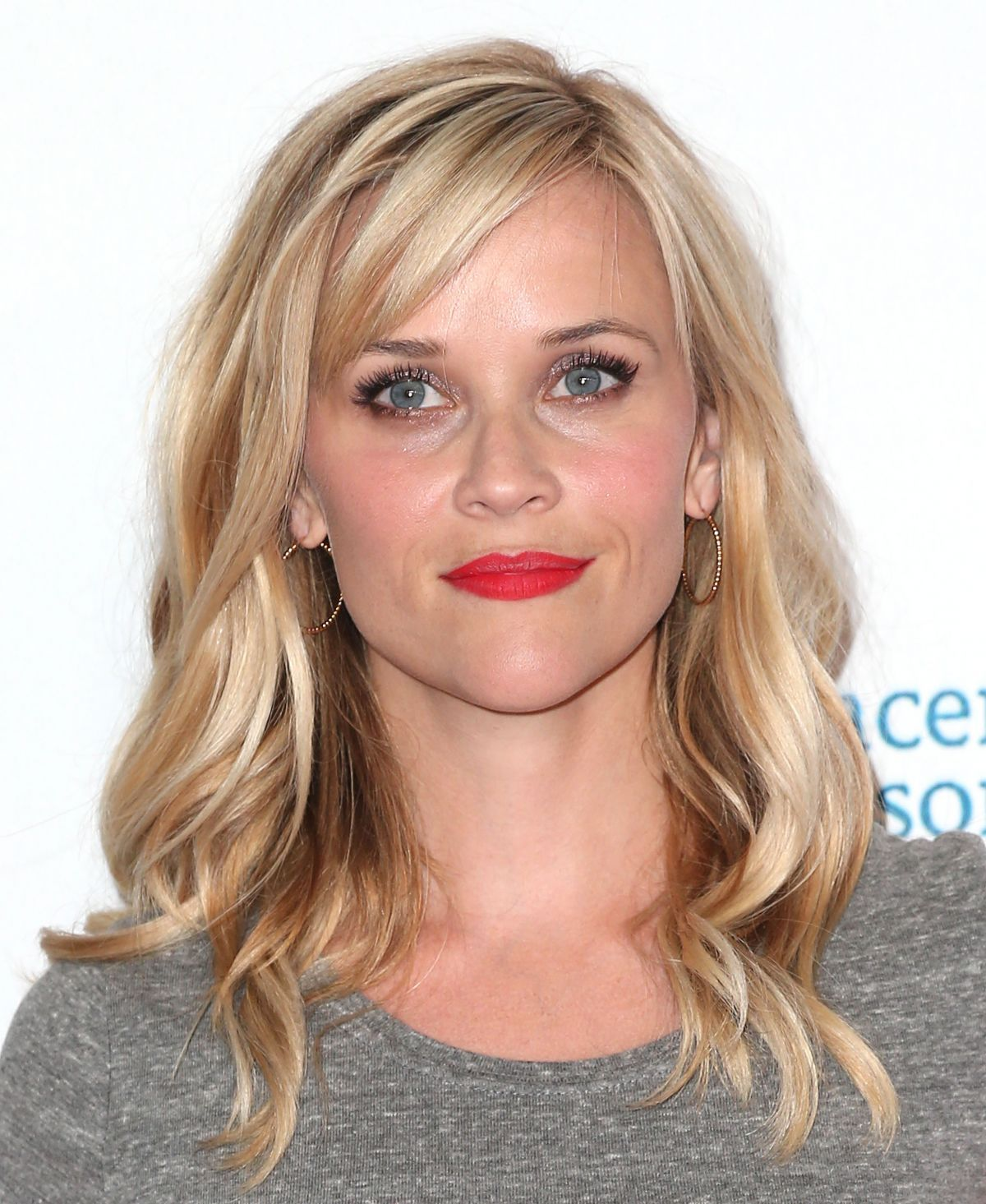 Reese Witherspoon At 4th Annual Stand Up 2 Cancer Live Benefit