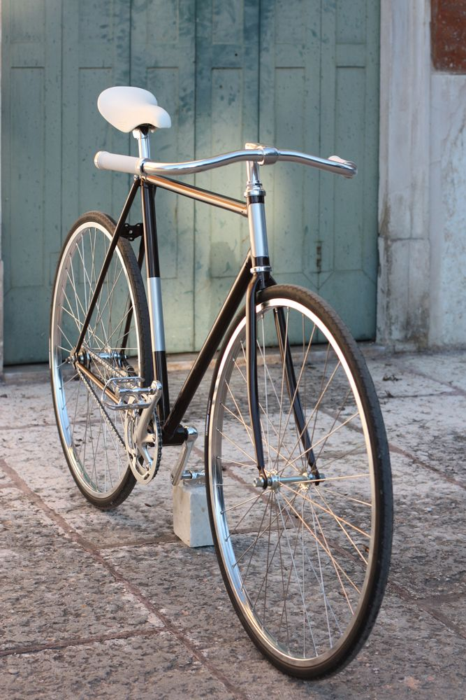 Mustache Handlebar Silver And Black Fixie Bicycles Bicicletas