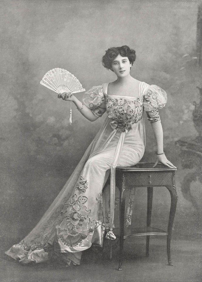 1905, Evening dress by Armand et Martial Le Figaro-Modes Gallica