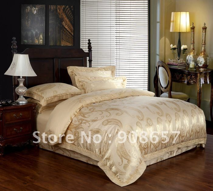 Luxurious Light Gold Special Prints Satin Cotton Fabric Jacquard Embroidered Duvet Covers For Queen Or