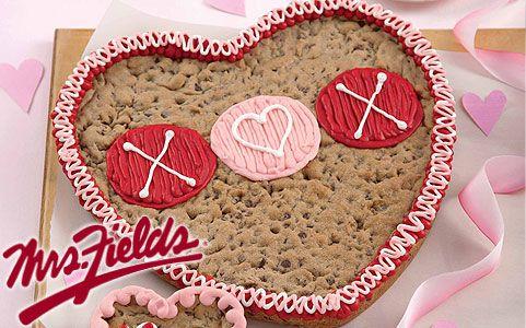 Mrs Fields Valentines Cookie Cake 13 Yummy Treats Valentine Cake Cake Cookies