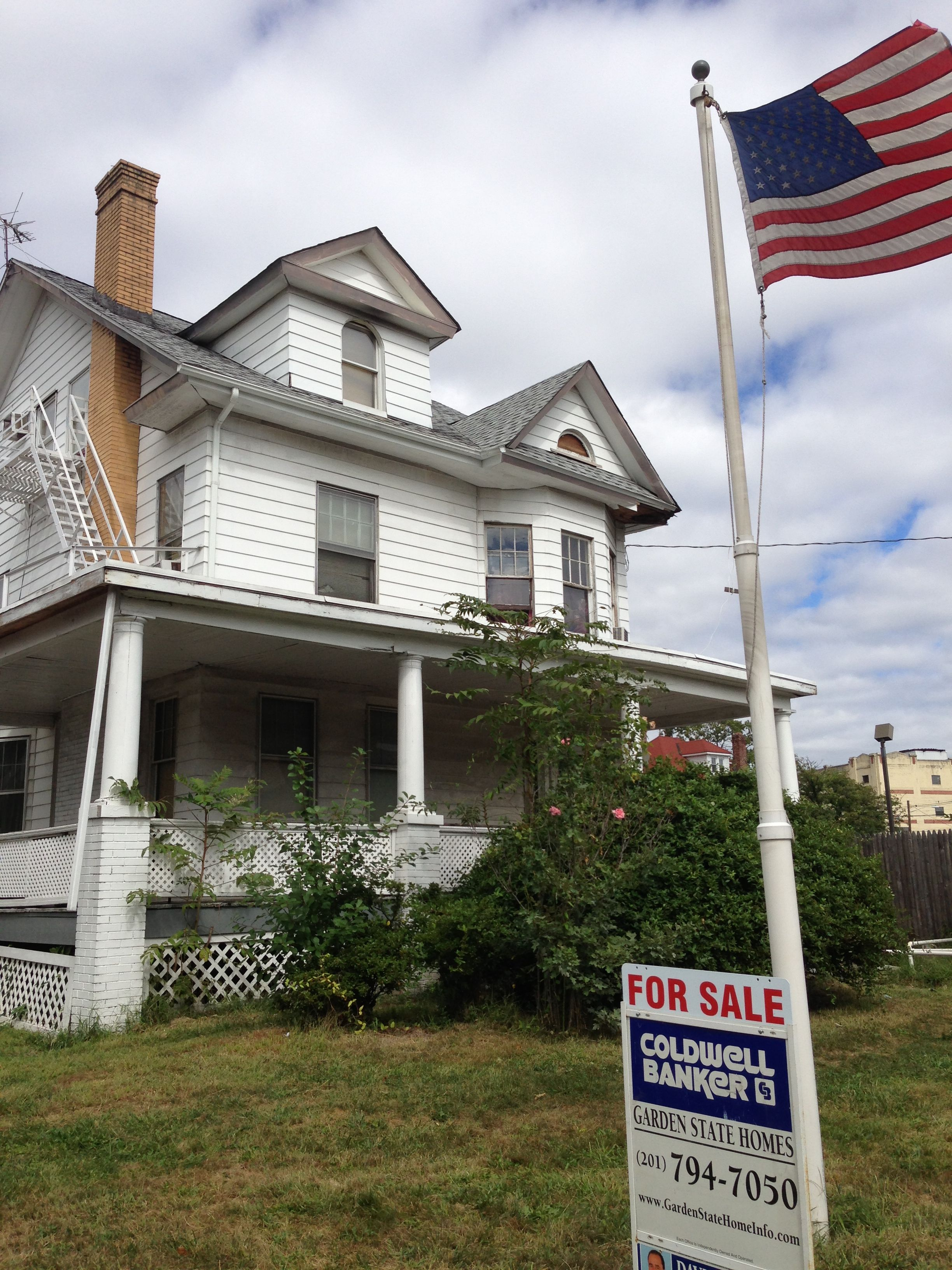 North Ave Elizabeth Rooming House For Sale