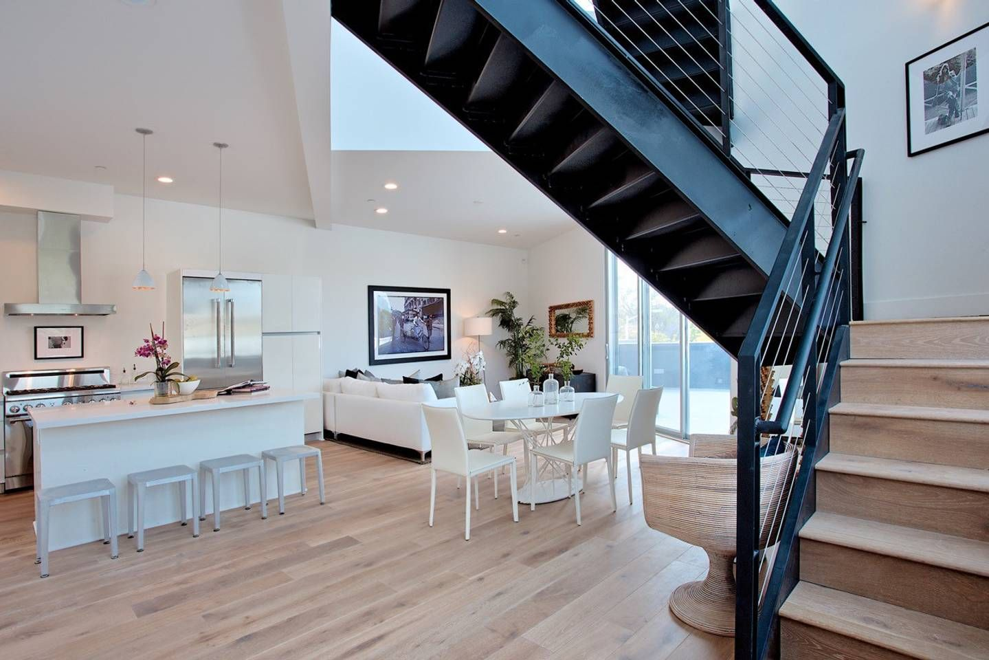 Beautiful Loft In Melrose Place Lofts For Rent In West Hollywood Luxury Loft Lofts For Rent Hollywood Loft