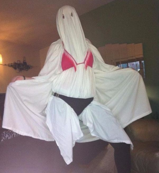 27 Simple Costumes You Can Totally Make The Day Before Halloween - halloween ghost costume ideas