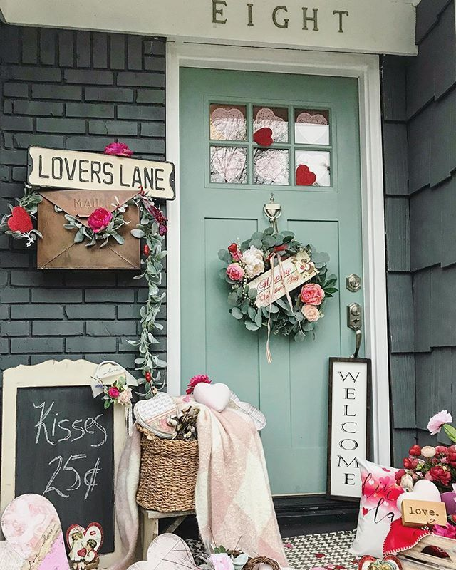 Diy Rustic Valentine S Day Art Simply Beautiful By Angela In 2020 Diy Valentine S Day Decorations Diy Valentines Decorations Valentines Diy