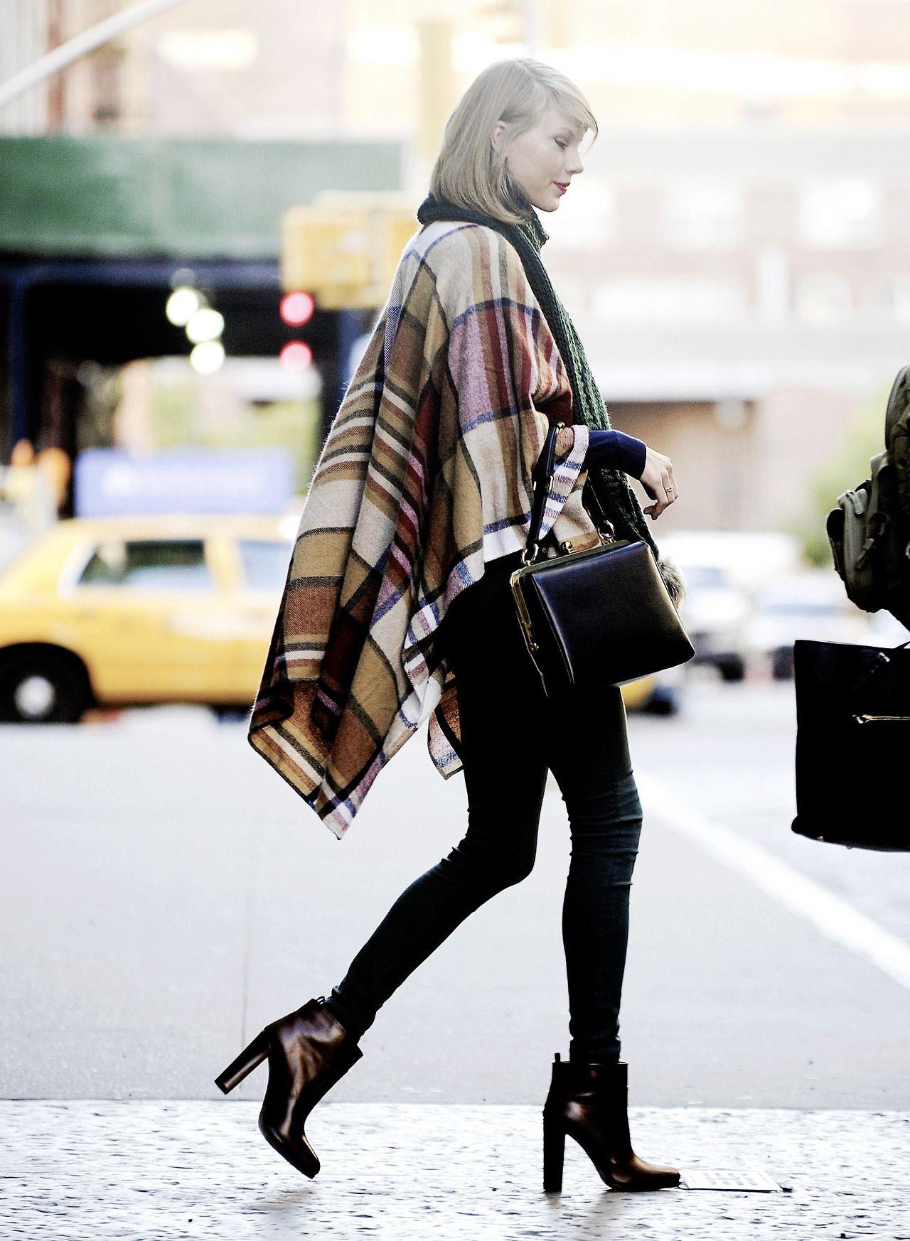 Taylor swift sexy fall /Winter style.