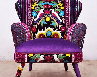 Articles Similaires A Reserved Item For Ksenia Neon Patchwork Armchair With Suzani Thai Hmong Fabrics Sur Etsy Fauteuil Rose Chaise En Patchwork Fauteuil