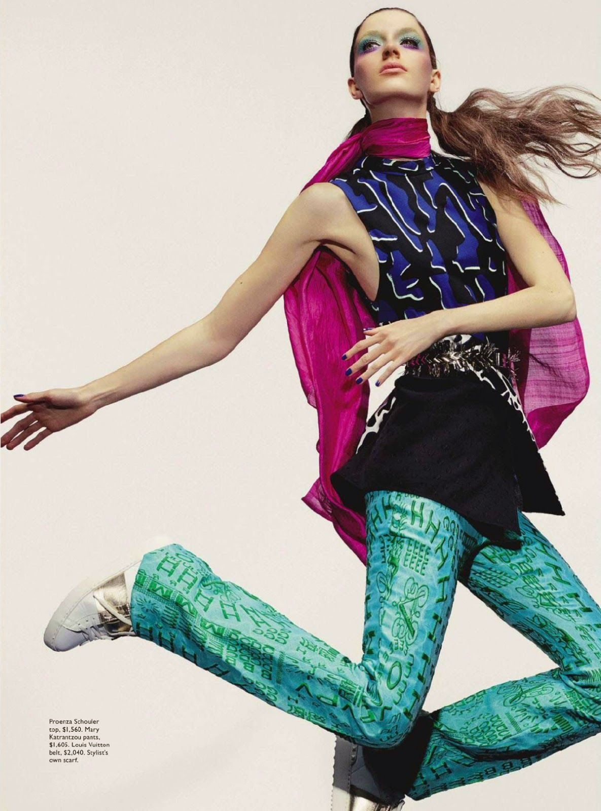 in the fashion editorial, 2015 Rich Mix in the edition of January, the Vogue Australia .  The model Josephine Van Delden uses very colorful looks and a mix of prints and textures, the excess is the trend for the next year. She wears Alexander McQueen, Gucci, Louis Vuitton and other brands. Photography by Robbie Fimmano and fashion production by Natasha Royt .