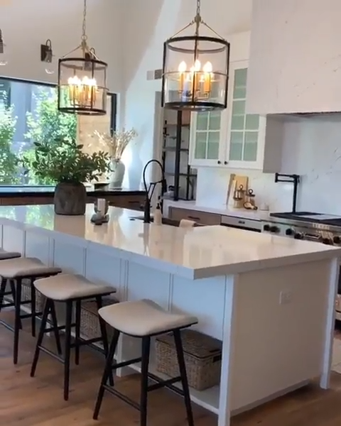 25 Dream Kitchen Islands That Are Utterly Drool Worthy Custom Kitchen Island Dream Kitchen Island Kitchen Island Design