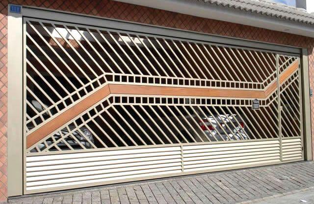Portão Tubular Madeira EP-214 com preenchimento de metalon de aço carbono 100% galvanizado em diversos perfis. Pode conter detalhes em tubos de aço, chapa ou madeira.