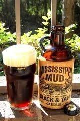 Cerveja Mississippi Mud Black & Tan , estilo Specialty Beer, produzida por Mississippi Brewing Co., Estados Unidos. 5% ABV de álcool.