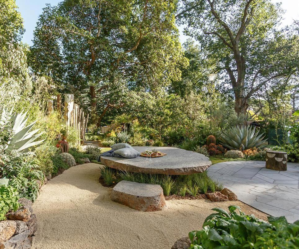 Award Winning Landscape Designer Phillip Withers Offers His Small Garden Design Small Backyard Landscaping Backyard Landscaping Designs Small Garden Landscape