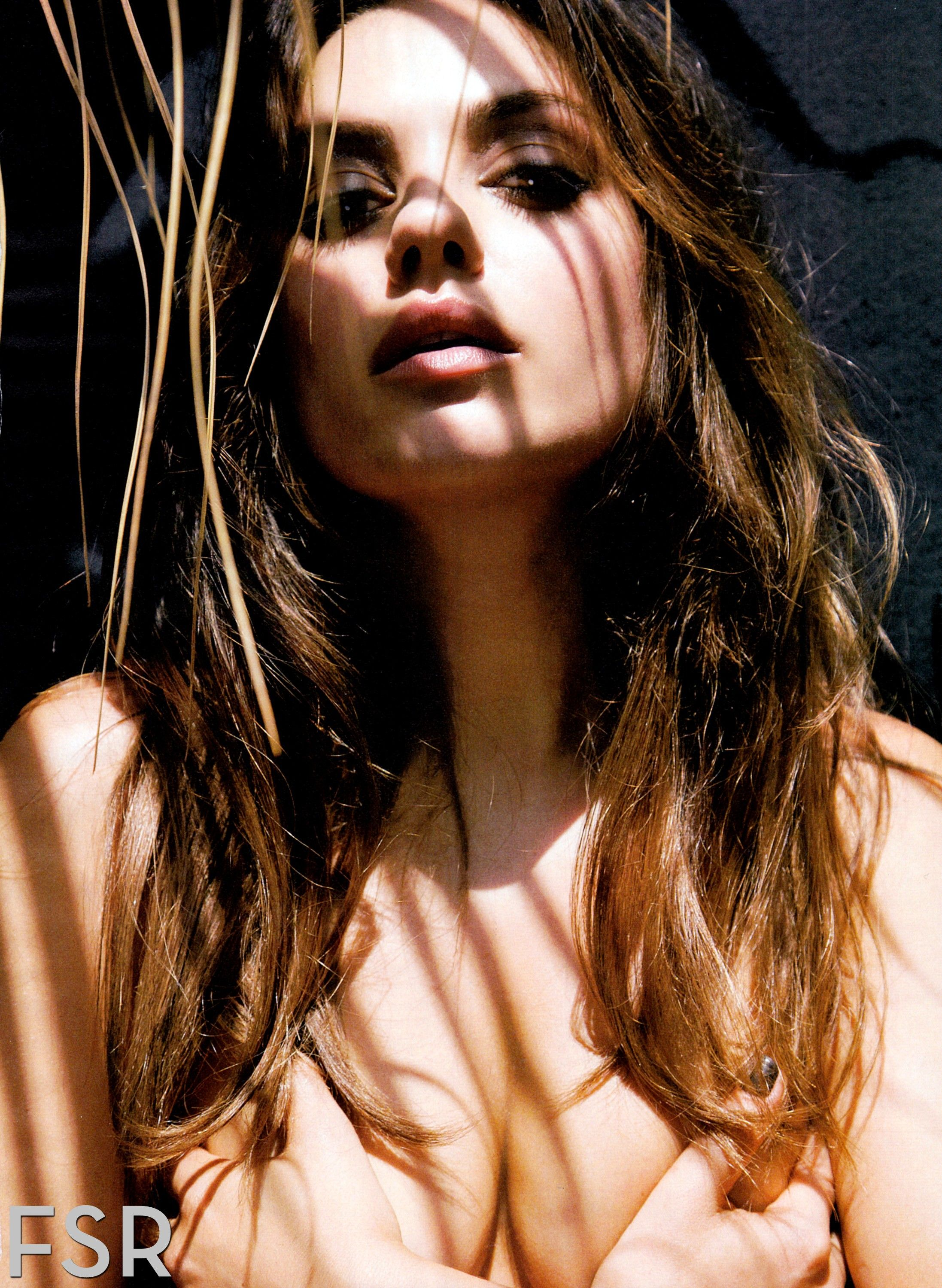 picture Mila Kunis Poses Naked On A Leather Chair