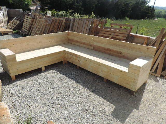 Tuto Pour Créer Un Canapé D'Angle En Palettes | Les Astucieuses