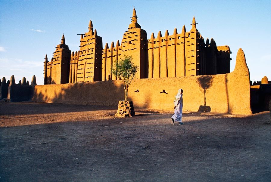 Mud Mosque, Mali/ Photography by Steve McCurry / Here you can download Steve's FREE PDF Catalog and order PRINTS /stevemccurry.com/...