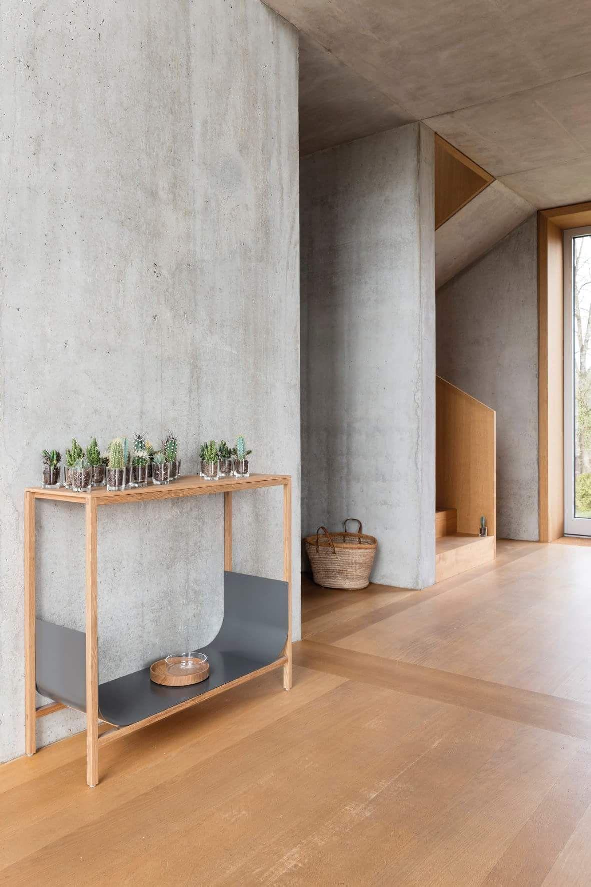 Ooooooo Light Cement Walls And Wooden Floors Concrete Interiors Concrete Walls Interior Interior Wall Design
