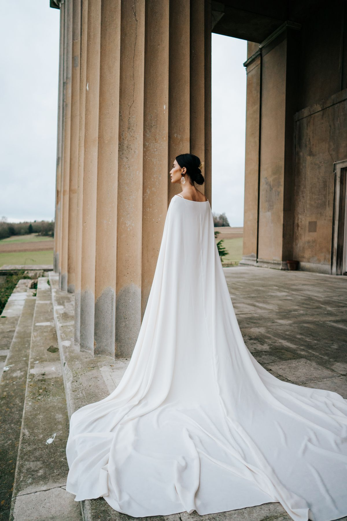 Contemporary Wedding Inspiration At The Grange Hampshire Contemporary Wedding Inspiration Cape Wedding Dress Contemporary Wedding
