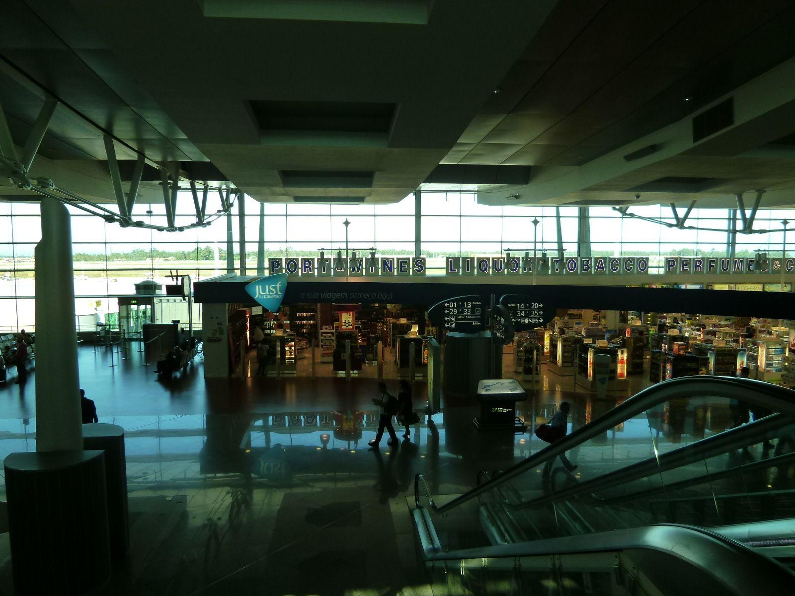 Porto Aeroporto, Porto Portugal (Luglio)