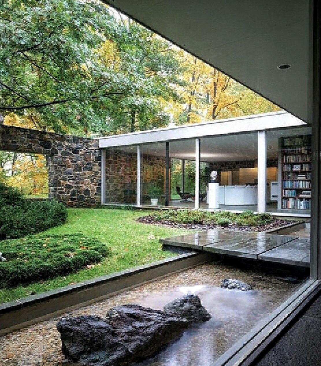 Edith and arthur hooper house ii baltimore maryland usa for Modern homes in maryland