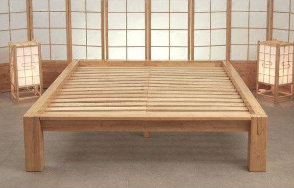 Estructura de la cama Tokyo, de madera de Hevea. | MUEBLES ...