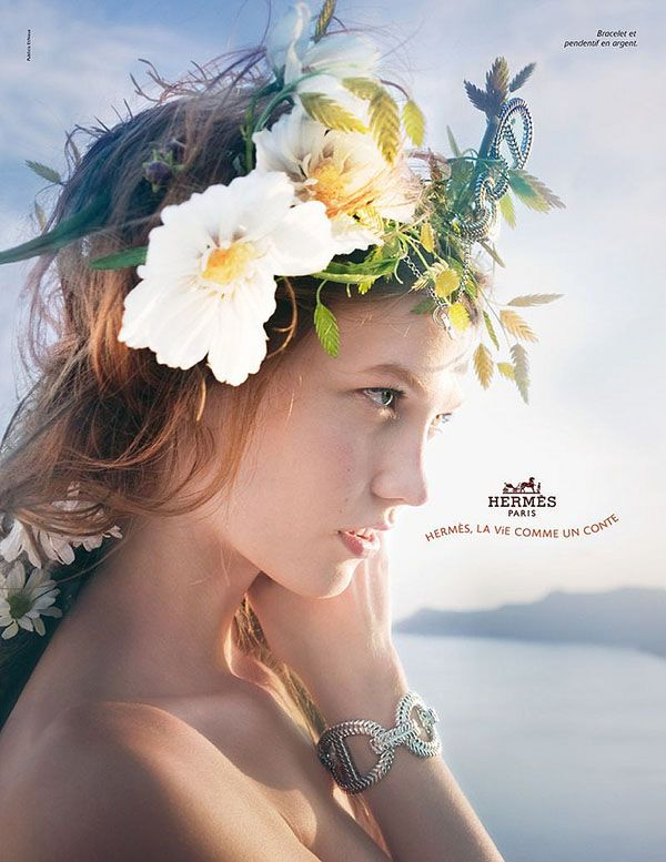 I'm normally not a fan of the hairstyle/flowers in hair thing, but this was too gorgeous to resist!