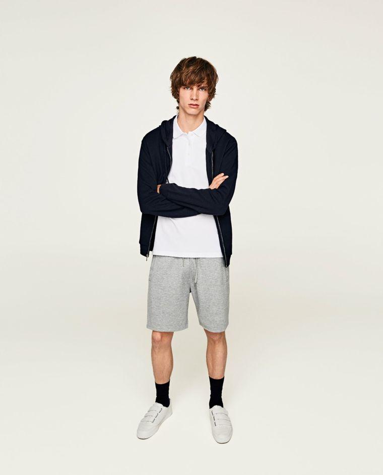 Vestiti sportivo per un ragazzo giovane ea26ee465f60