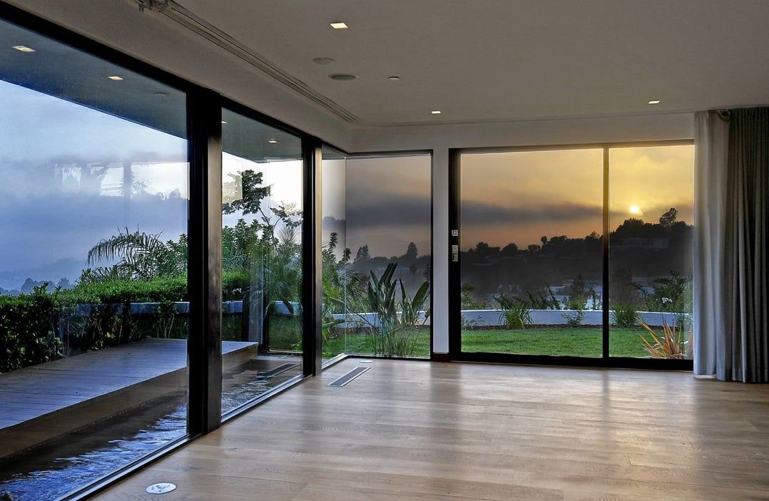 How To Decorate A Room With Floor To Ceiling Windows Floor To