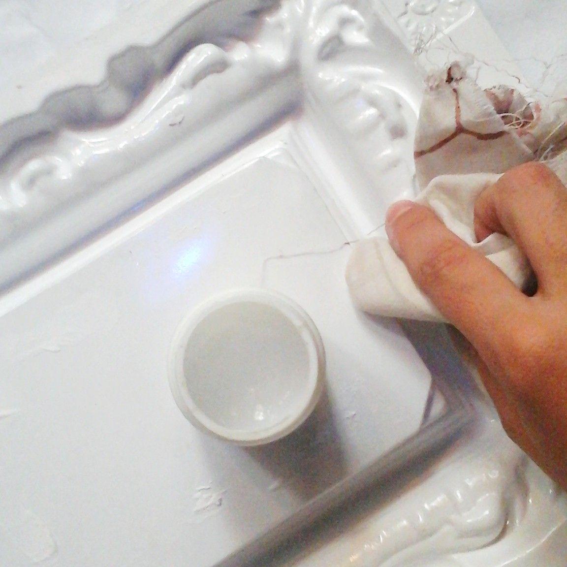 En esta nota les mostramos cómo hacer marcos vintage de yeso, para ...