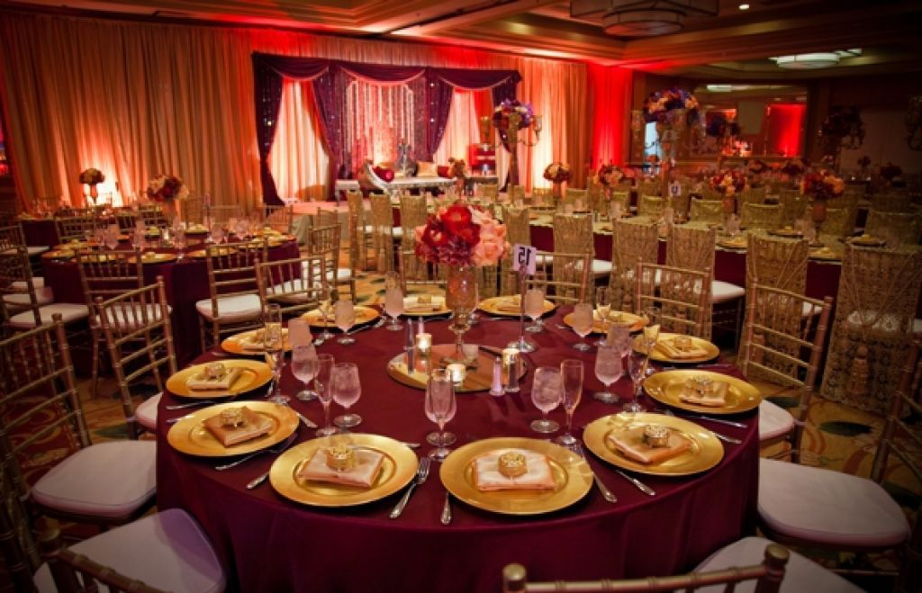 wedding centerpieces red and brown - Google Search | Party Ideas ...
