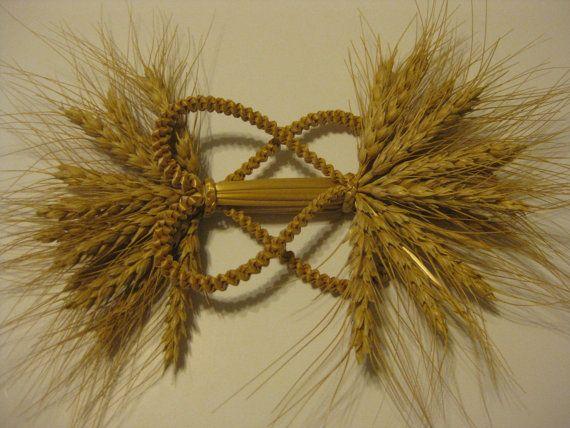 Wheat Weaving And Straw Art By Prairiegirltreasure On Etsy 8 95 Straw Art Straw Crafts Corn Dolly