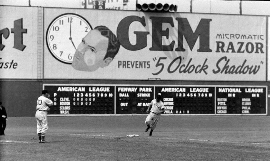 Fenway Park July 25 1938 Jimmie Foxx Hits 27th Homer Of Year In 4 0 Win Over Indians Fenway Park Baseball Scoreboard Jimmie Foxx