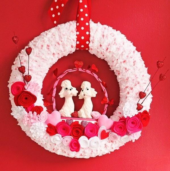 Wreaths : DIY Valentine's Yarn Wreath