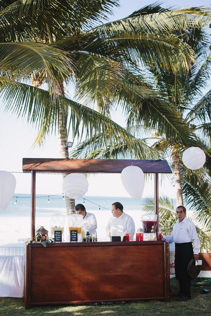 Beach Wedding cocktail Bar | Fab Mood