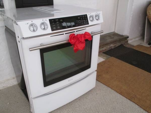 JennAir Glass Top Electric Stove ( New price was 2326